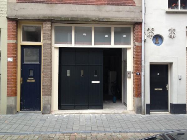 houten zijwaartse sectionaaldeuren